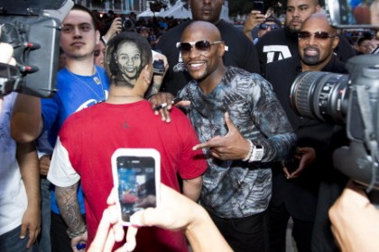 Mayweather with fan