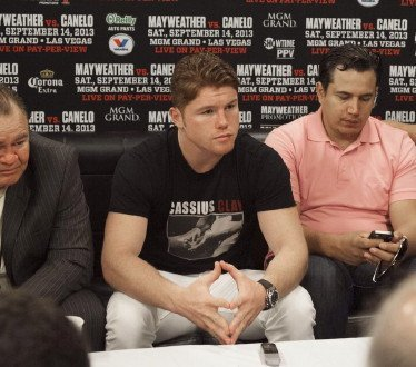 Reynoso: Mayweather Jr's time is over; now it's Canelo's time