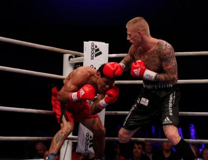 Nielsen KOs Andino to defend WBA Intercontinental Middleweight Title