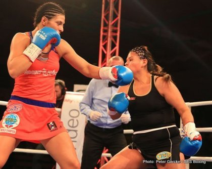 Ramona Kühne, Christina Hammer Retain WBF World Titles