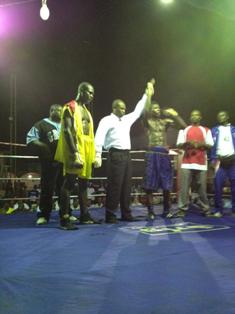 Sena Agbeko knocks out Eric Kwadey in round 3