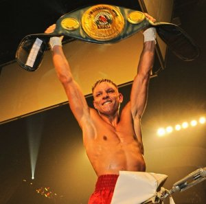 Rico Muller still IBO intercontinental champion