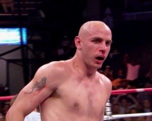 Is Bob Arum cashing out on Kelly Pavlik?