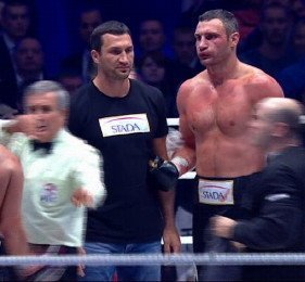 Klitschko stops Charr in 4th; Abdusalamov stops McCline with a jab