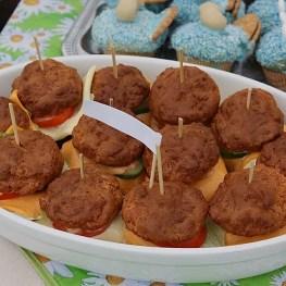hamburger muffin snack