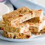 Super-Healthy Banana, Apricot and Date Oat Bars