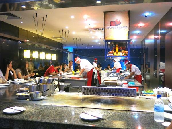 Heniu Teppanyaki Open Concept Kitchen at Food Republic Wisma Atria