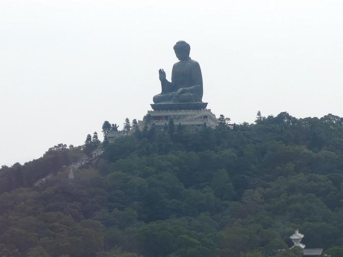 Tian Tan Big buddha statue