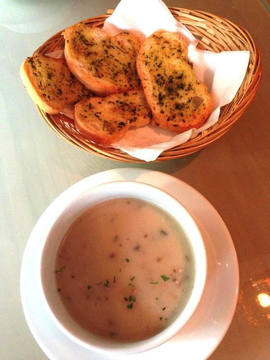 Aglio Olio Soup and Garlic Bread at China Square Central (Singapore)