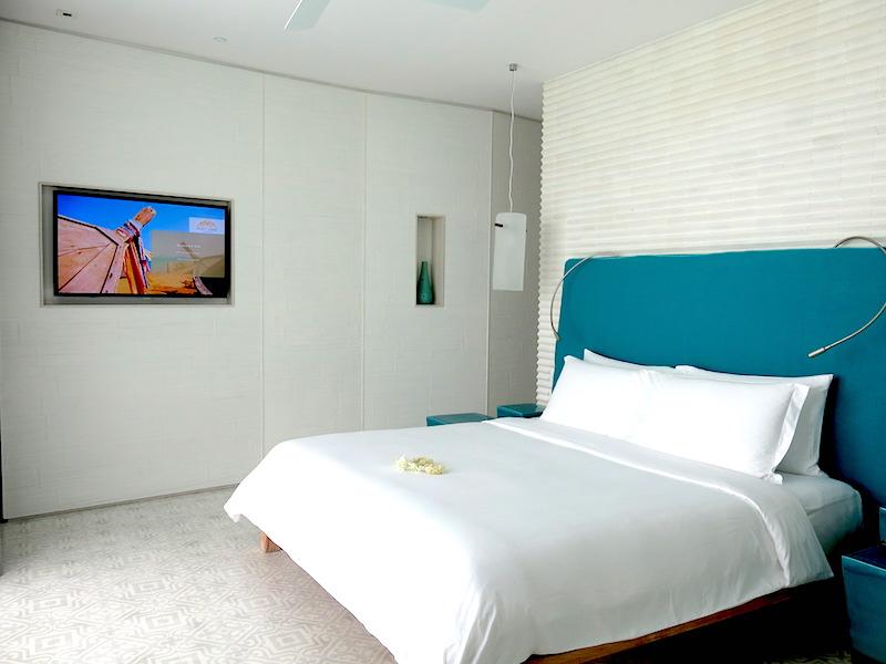 Bay Room Suite Bedroom
