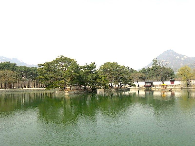 Gyeongbokgung Palace Lake