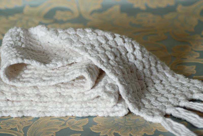 bobble stitch crochet scarf