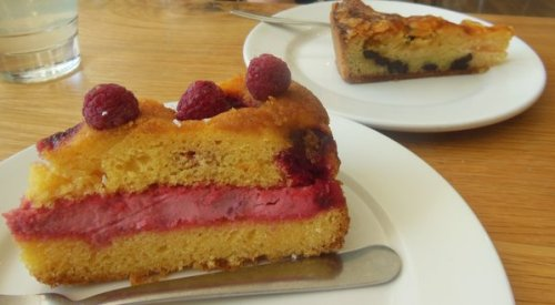 Raspberry polenta cake, pear and chocolate frangipane - Loudons