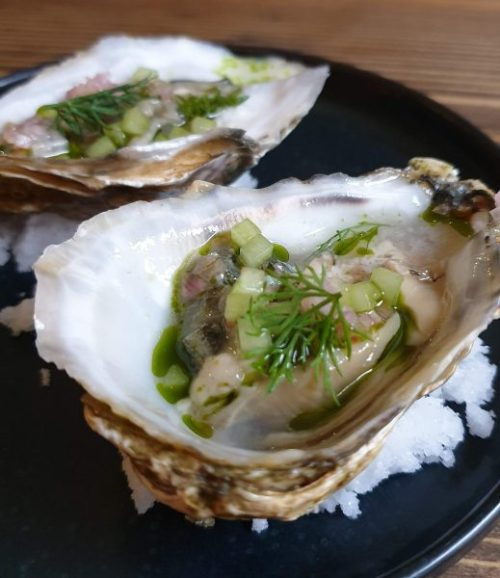 Oysters with cucumber mignotte