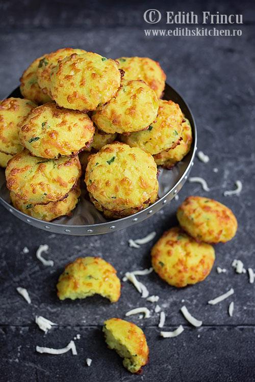 biscuiti-cu-mozzarella-1