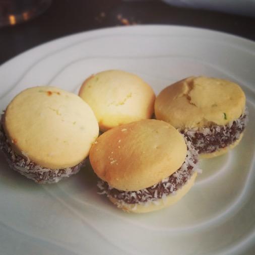 restaurant unico argentin paris dessert  macaron dulce de leche