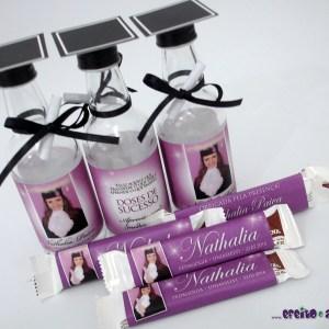 Garrafinha de vidro 50ml com barrete e diploma + Chocolate Refeição | Pedagogia