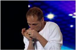 KURTX rocks NZGT with his harmonica