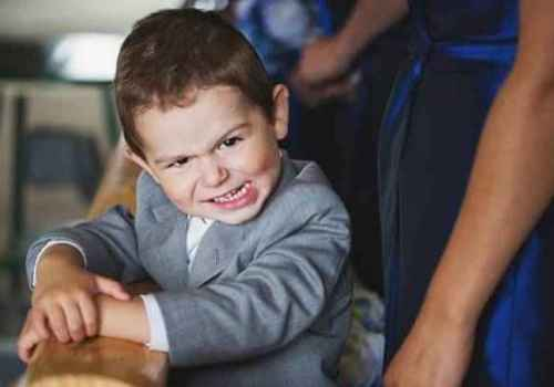 adorable-wedding-photo-of-little-boy-by-Fran-Chelico-Photography-British-Columbia_168942_large