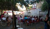 Asamblea constituyente de Podemos Cacabelos en la plaza del Mercado de Abastos. Archivo