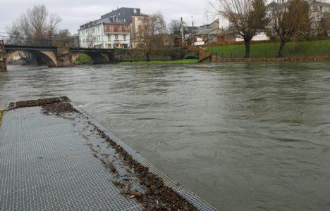 Foto de archivo del río Cúa a punto de desbordarse (César Sánchez)