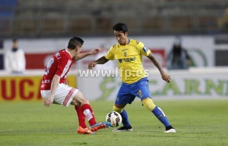 El argentino Araujo fue el protagonista del encuentro con sus goles (LFP)