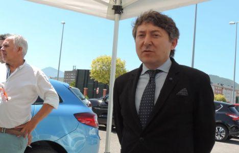 Samuel Folgueral inaugurando la Feria del Vehículo de Ocasión