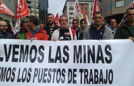 MIneros de Uminsa participaron en la manifestación del 1 de mayo