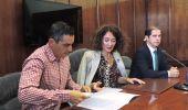 El concejal de Medio Ambiente, la alcaldesa y el presidente de CHMS, hoy, durante su comparecencia ante los medios