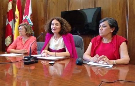 Rueda de prensa a cerca de la reunión entre el Ayuntamiento y la dirección provincial de Educación