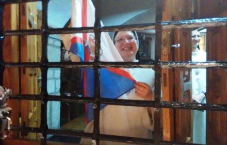 Las religiosas de clausura de la calle del Reloj también dieron su apoyo a la Ponferradina