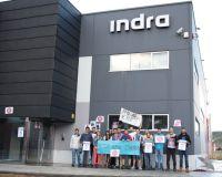 Imagen de los trabajadores de Bembibre en las puertas del centro