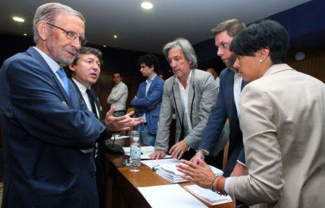 Varios portavoces antes del inicio del pleno (César Sánchez)