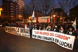Mineros leoneses se concentran en la capital para protestar por la situación de crisis e incertidumbre que vive el sector (Carlos S. Campillo)