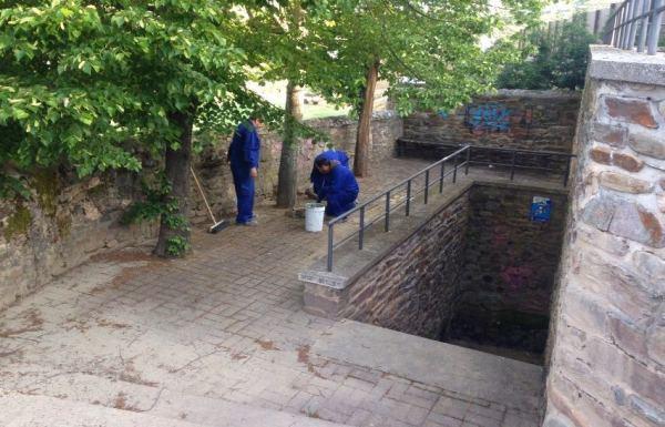 Imagen de los trabajos en la fuente romana de Campo