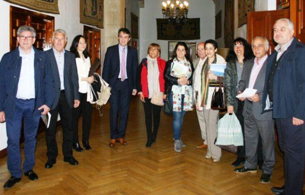 Imagen de la reunión de los GAL con la Diputación.