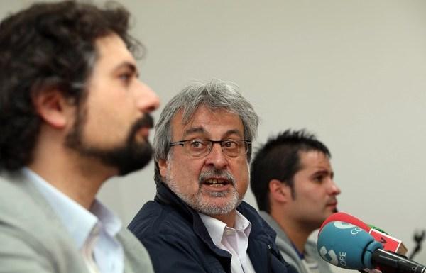 El procurador de IU-Equo, José Sarrión (I), el coordinador de la organización, José María González, y el secretario de Organización de IUCyL, Jorge Barragán. (Foto: Rubén Cacho)