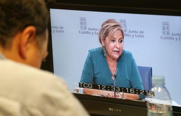 La vicepresidenta y portavoz del Ejecutivo autonómico, Rosa Valdeón, informa del contenido del Consejo de Gobierno de la Junta. / E. Margareto