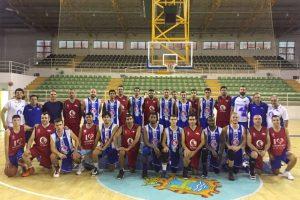 Foto del último entrenamiento del club de baloncesto berciano.