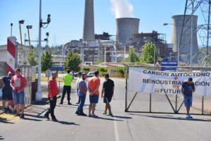 Los mineros de la Astur Leonesa tuvieron una intentona de acampar a las puertas de Compostilla la semana pasada. / QUINITO