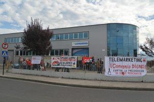 Segundo parón de este jueves de los trabajadores de Teleperformance Ponferrada. / QUINITO