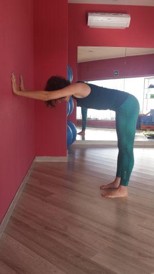 Mi Mundo Yoga - Yoga en la oficina - Soporte en pared