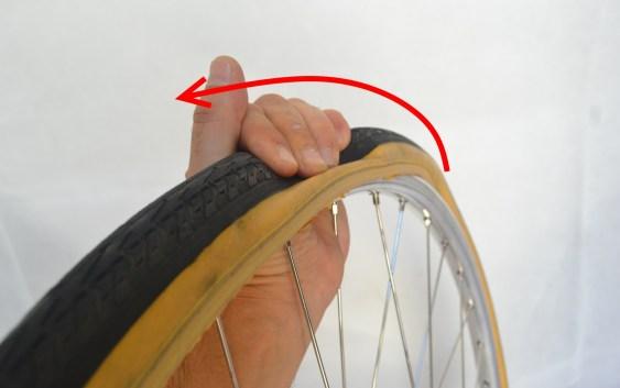 6989-montare-copertoncino-bicicletta-28