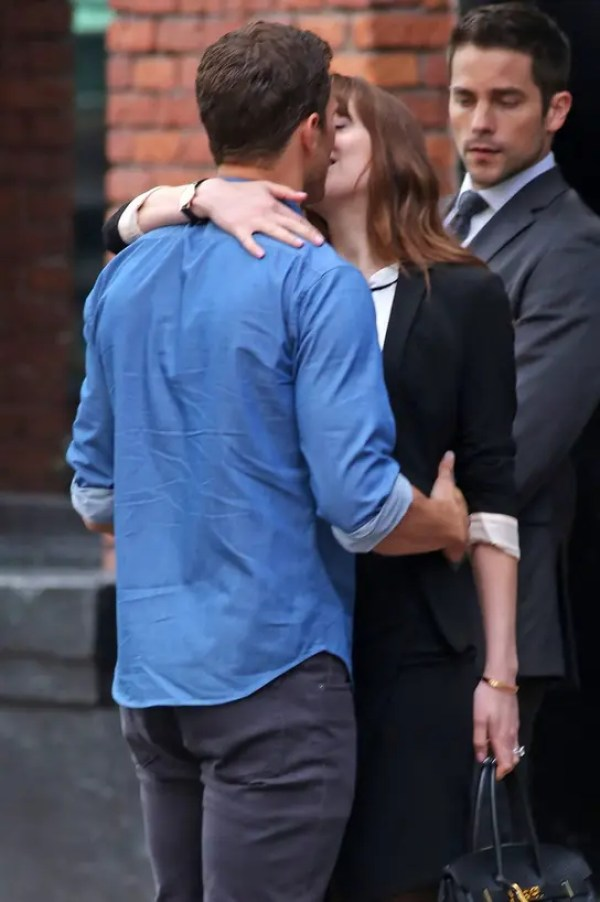 dakota_johnson_jamie_dornan_8100_544x