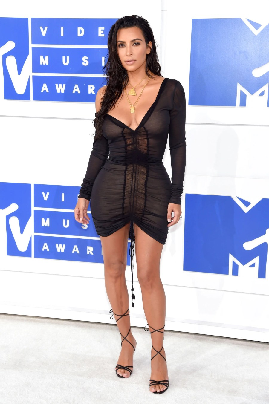 NEW YORK, NY - AUGUST 28: Kim Kardashian West attends the 2016 MTV Video Music Awards at Madison Square Garden on August 28, 2016 in New York City. Jamie McCarthy/Getty Images/AFP