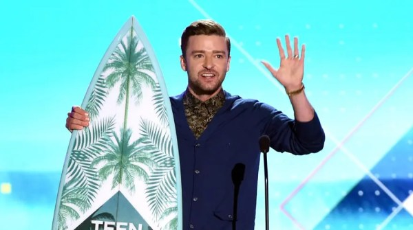 INGLEWOOD, CA - JULY 31: Honoree Justin Timberlake accepts the Decade Award onstage during Teen Choice Awards 2016 at The Forum on July 31, 2016 in Inglewood, California.   Kevin Winter/Getty Images/AFP == FOR NEWSPAPERS, INTERNET, TELCOS & TELEVISION USE ONLY ==
