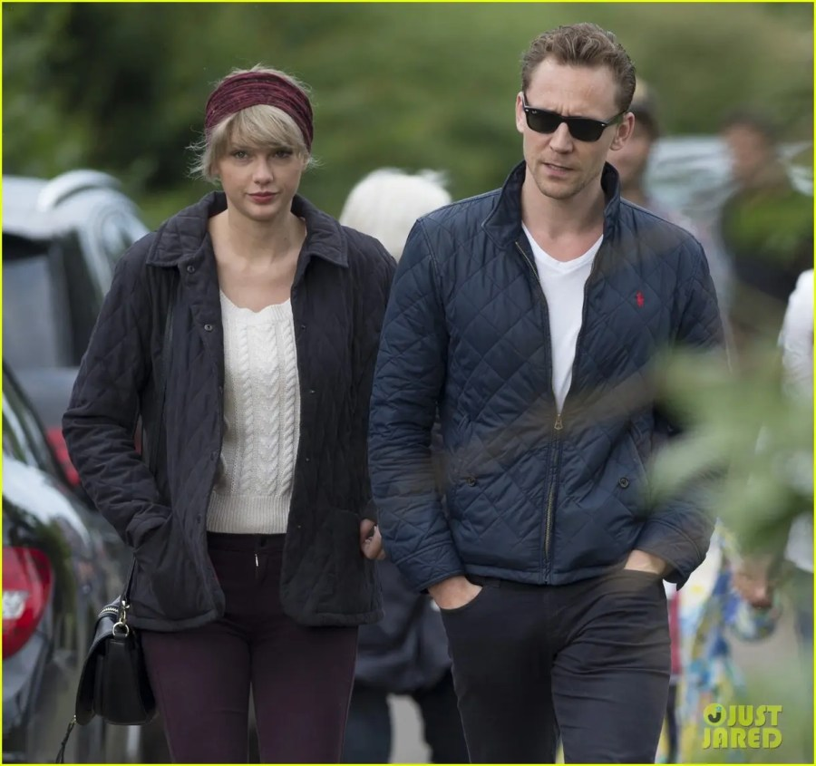 taylor-swift-tom-hiddleston-hit-the-beach-again-in-the-uk-04