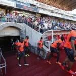 Miles de aficionados del Granada CF animan a su equipo en un entreno (Foto)