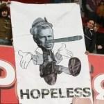 La hinchada del Newcastle le pierde el respeto a su entrenador