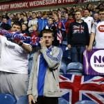 """Los fans del Celtic y Rangers """"juegan"""" su partido en el Referéndum de Escocia"""